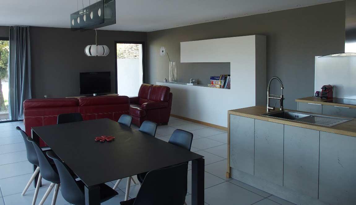 Gîte Drôme vignoble cuisine et salon