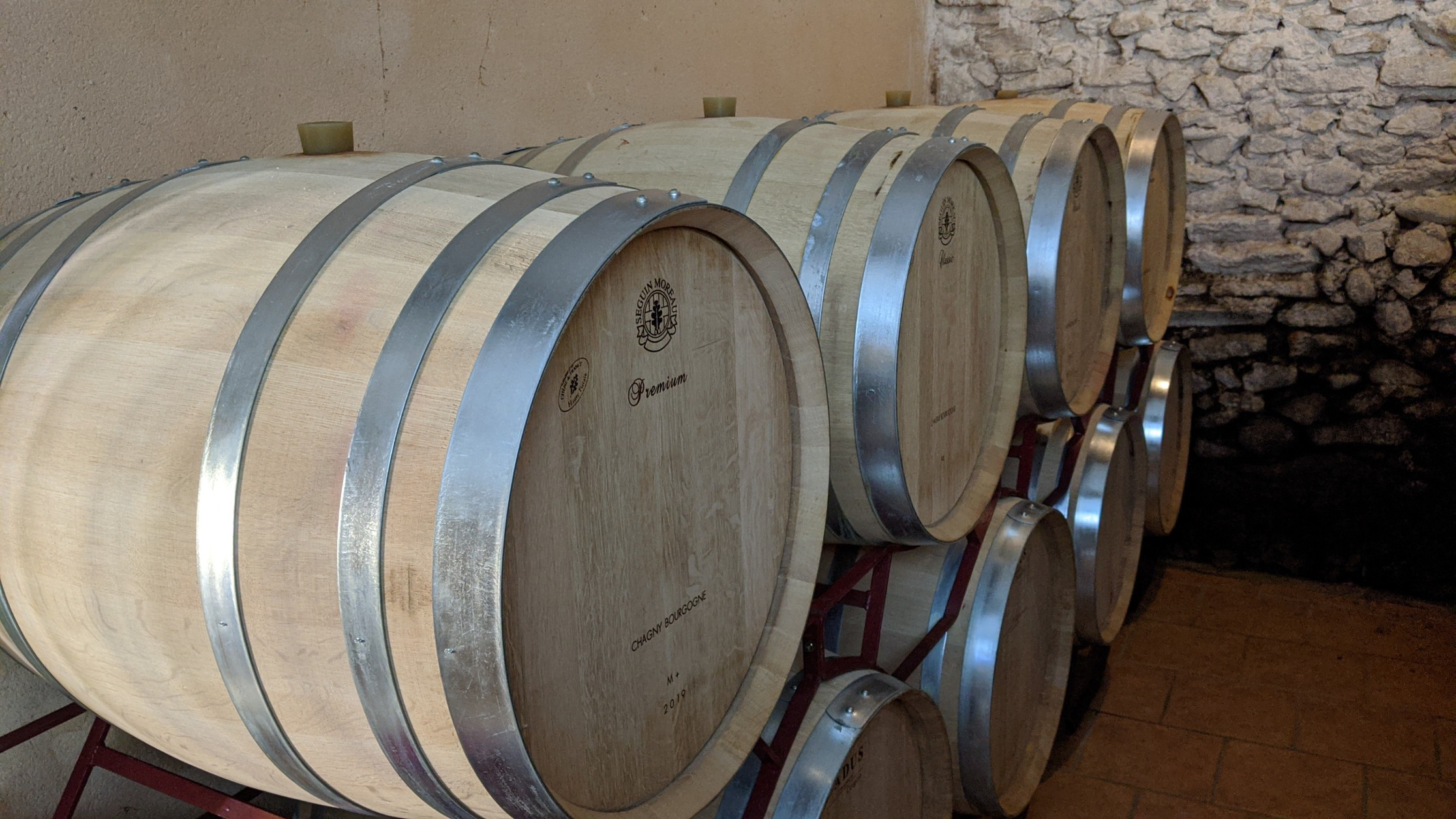 Futs de vin en bois